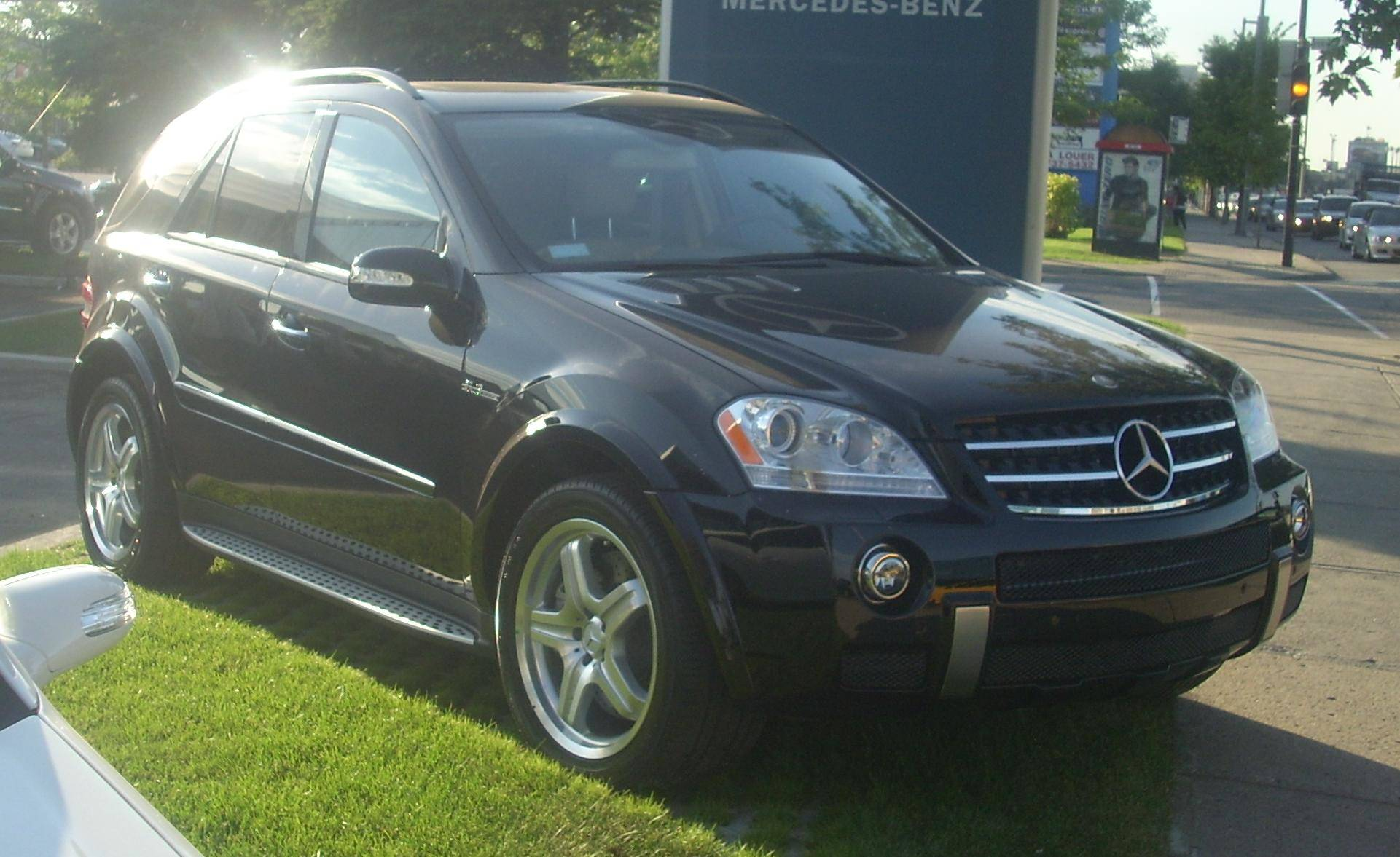 2008 Mercedes Benz ML63 AMG Base 4dr All wheel Drive 4MATIC 7 spd