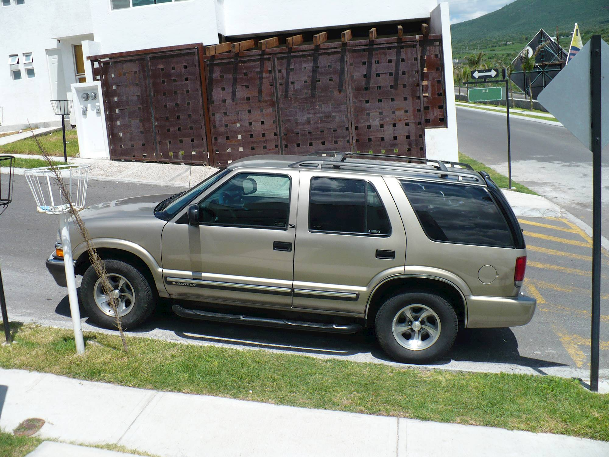 2000 Chevrolet Blazer 4 Door 4WD TrailBlazer