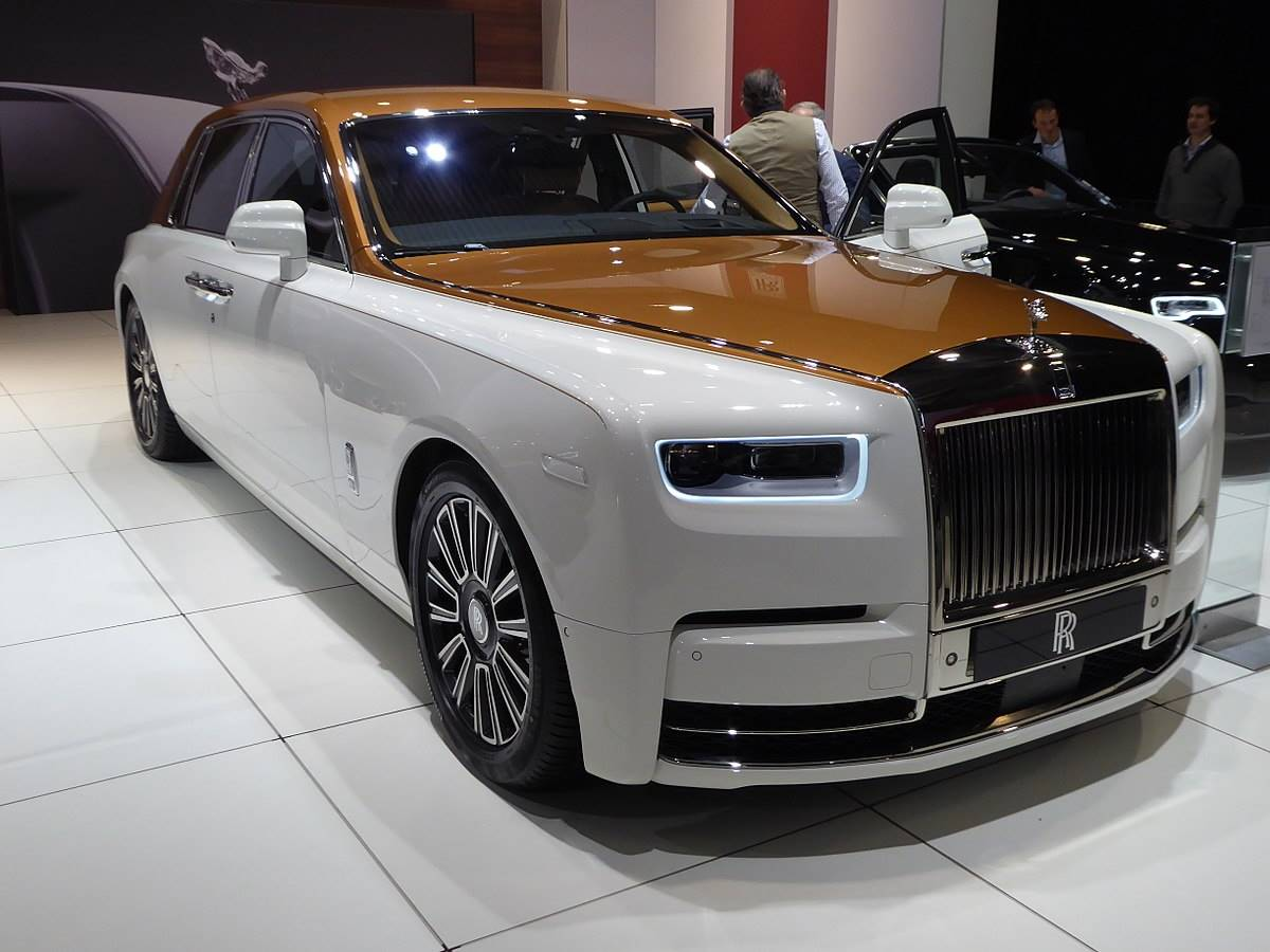2018 Rolls-Royce Ghost Extended Wheelbase Sedan