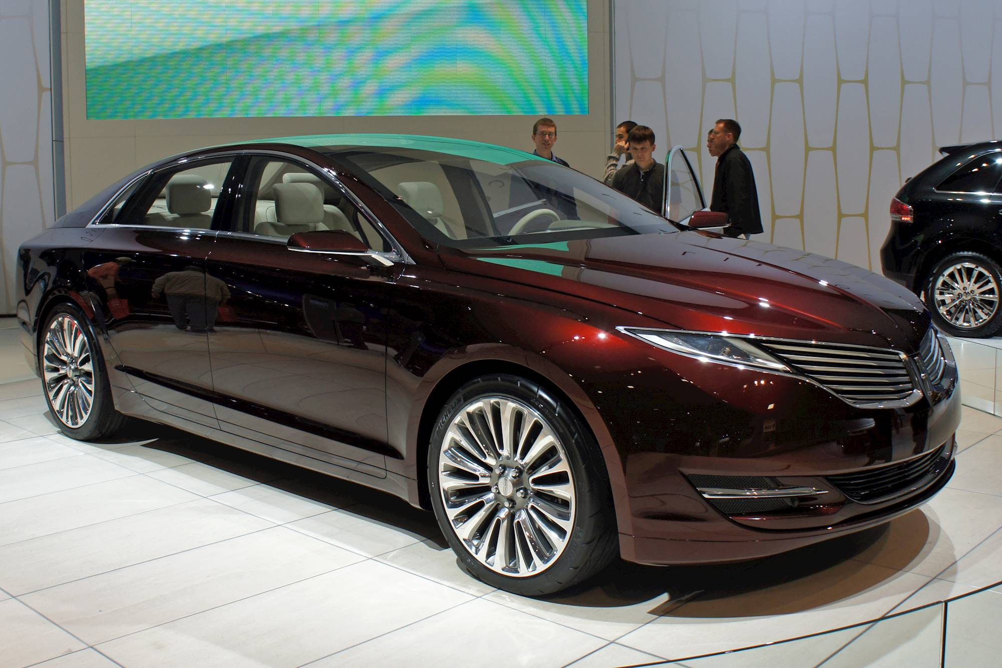 2012 lincoln mkz hybrid sedan 2 5l hybrid cvt auto. Black Bedroom Furniture Sets. Home Design Ideas