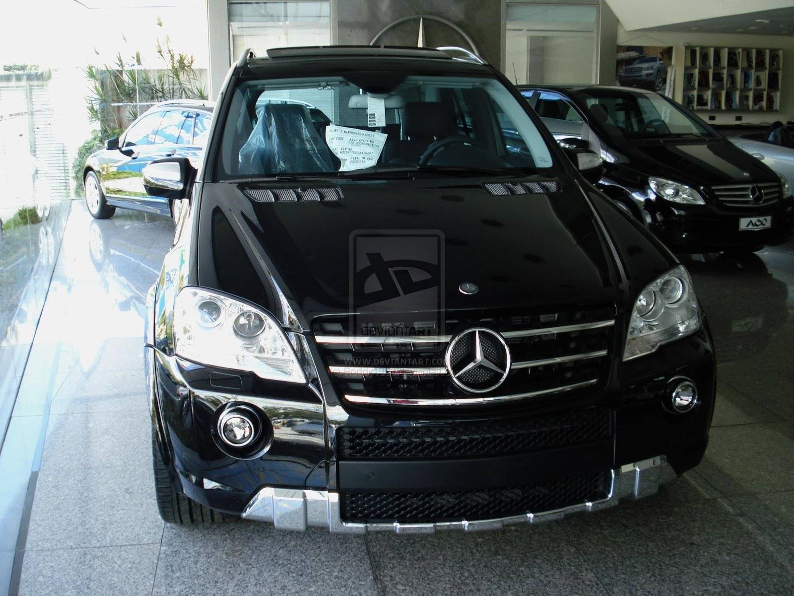 2009 Mercedes Benz ML63 AMG Base 4dr All wheel Drive 4MATIC 7 spd