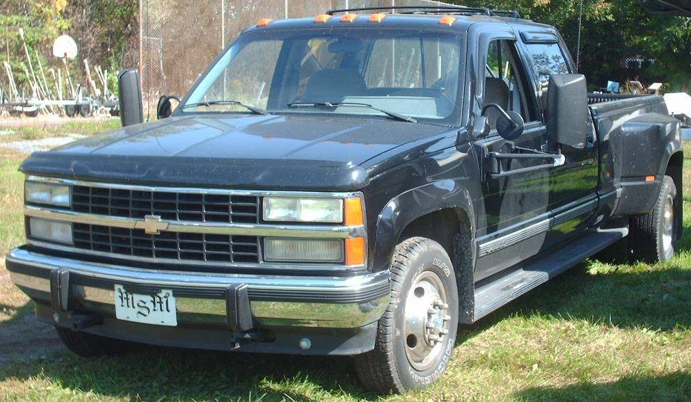 1995 GMC Sierra 3500 SL Wideside 4x4 Crew Cab 8 ft  box 168 5 in  WB