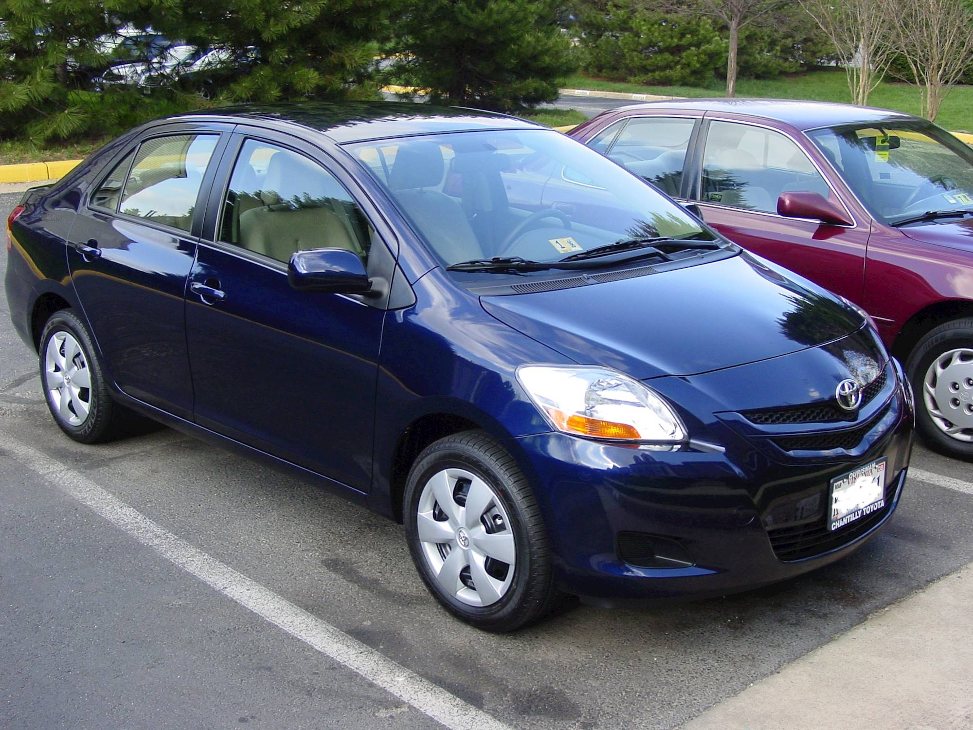 2007 toyota yaris base 2dr hatchback 1 5l auto. Black Bedroom Furniture Sets. Home Design Ideas
