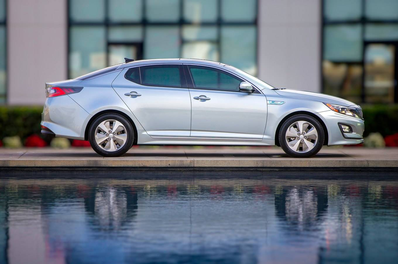 2014 Kia Optima Hybrid 4-Door Sedan EX
