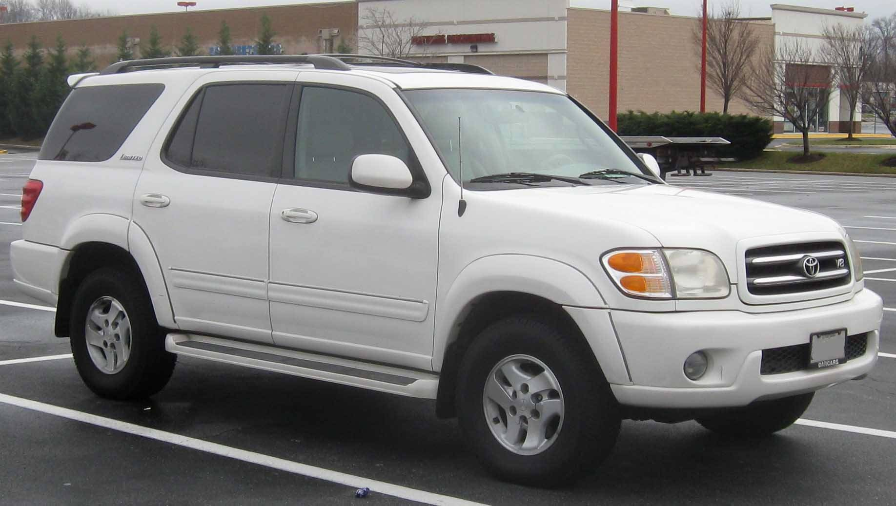 2004 toyota sequoia limited features