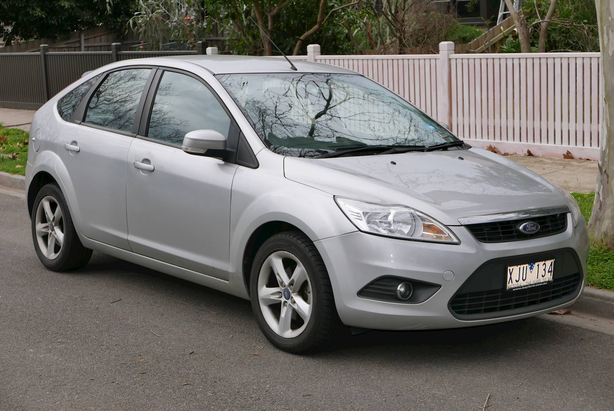 2009 ford focus se 4dr sedan 5 spd manual w od. Black Bedroom Furniture Sets. Home Design Ideas