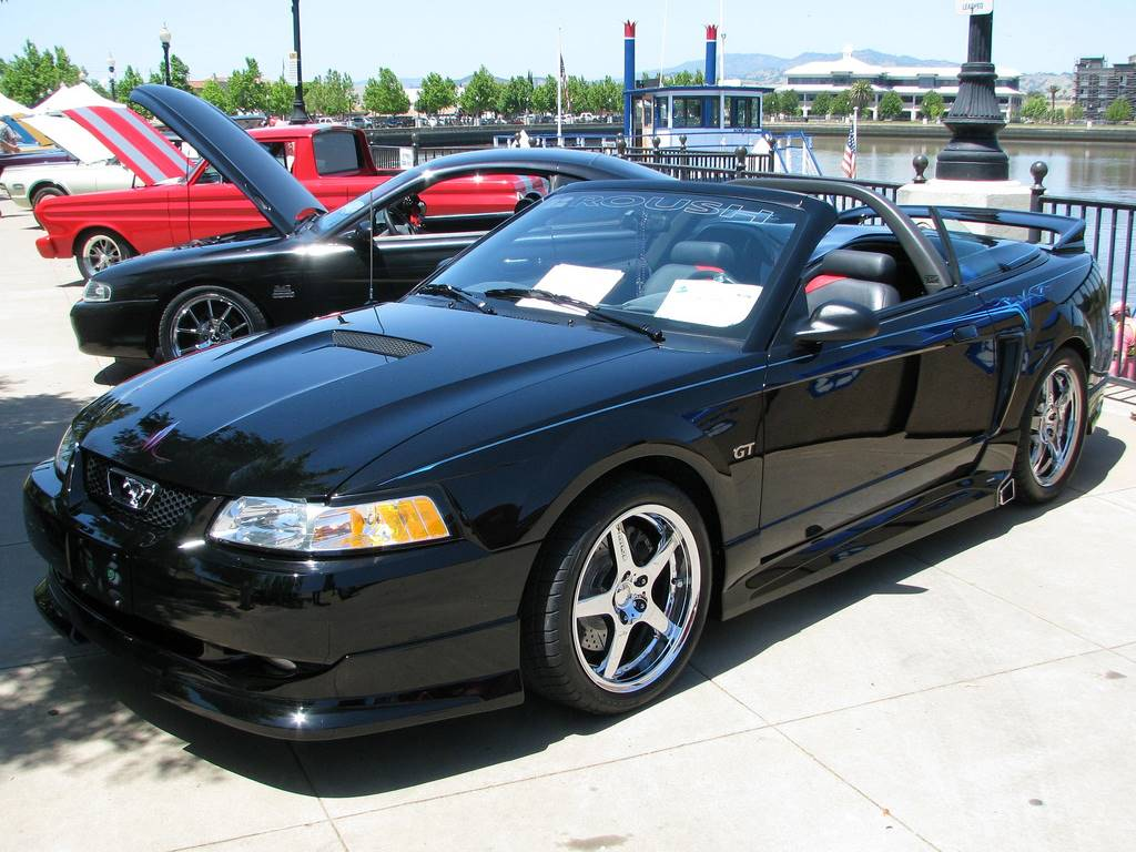 2006 ford mustang deluxe coupe 4 0l v6 manual. Black Bedroom Furniture Sets. Home Design Ideas