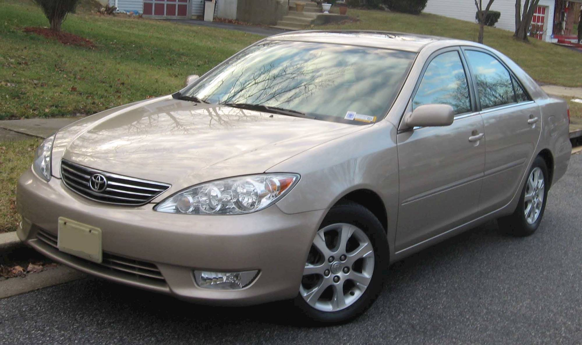 camry toyota 2005 xle rims le sedan models 2006 gen cars commons 2002 5th 4l manual file wikimedia 2007 2000