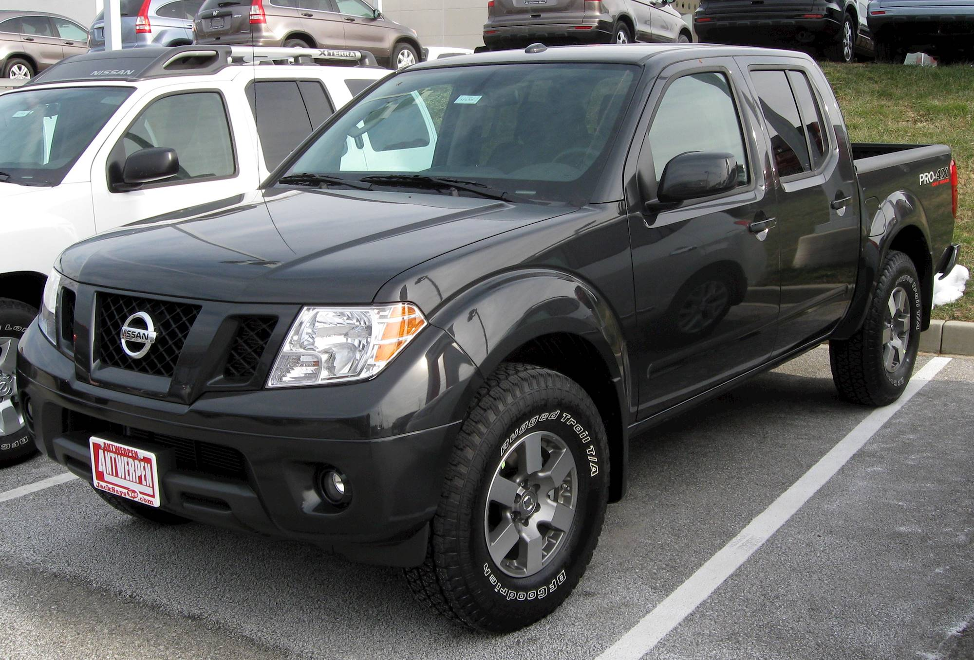 2003 Nissan Frontier SE V6   Crew Cab Pickup 3.3L V6 4x4 Auto W/Leather 4.7  Ft Bed