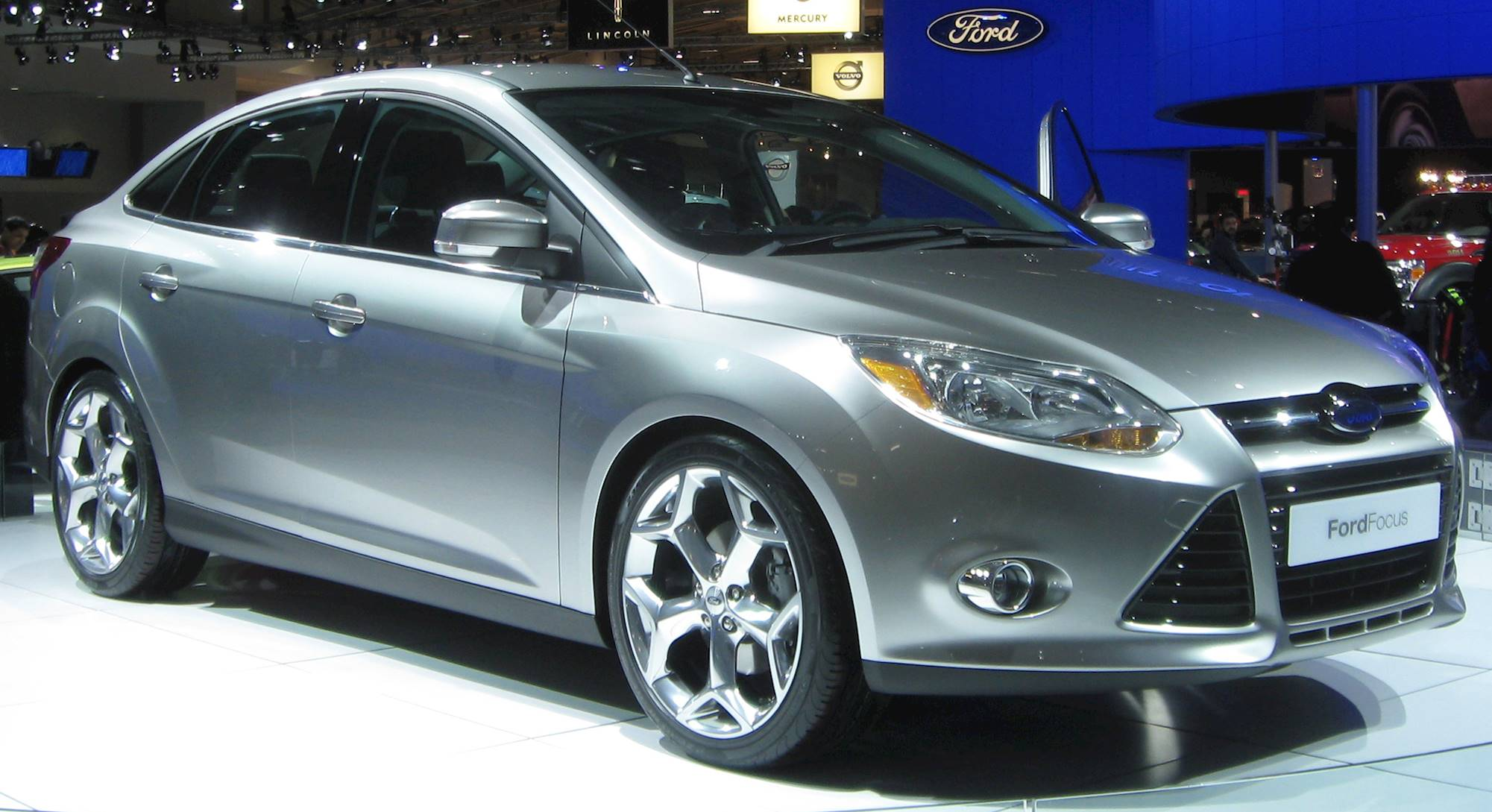ford focus sel sedan  manual