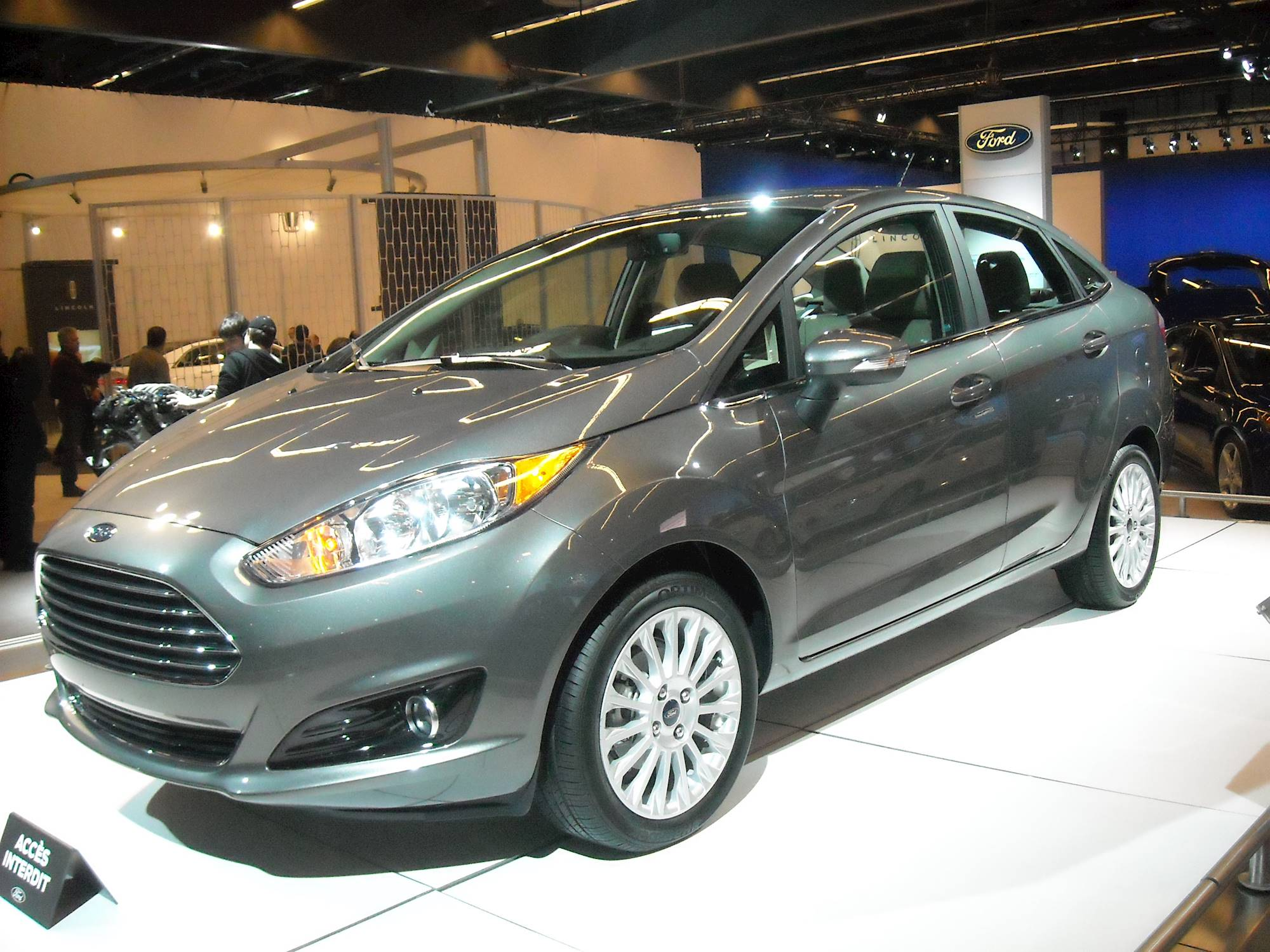 2013 ford fiesta titanium 4dr hatchback 1 6l manual. Black Bedroom Furniture Sets. Home Design Ideas